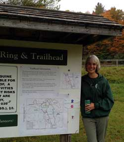 Chelle shows off the Rush Meadow Ring kiosk and the new improved Members' Loop maps, with the two new loops marked from the ring.